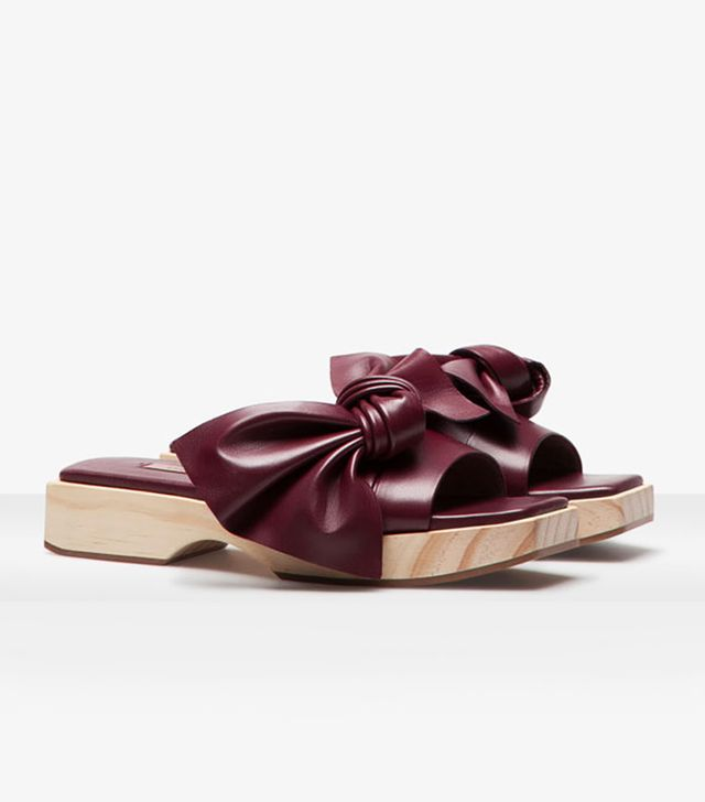 Uterque Wooden Bow Sandals