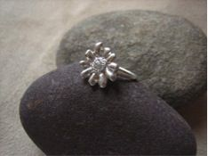 Elisa Solomon Elisa Solomon Jewelry Daisy Ring with Rough Diamond