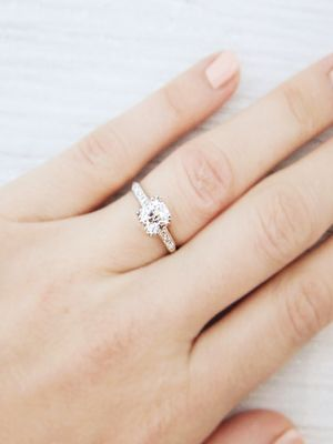 7 Ways to Save Major Money on Your Engagement Ring