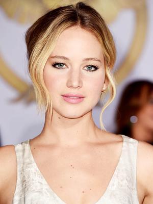 How to Dress Up Denim Cutoff Shorts Like Jennifer Lawrence