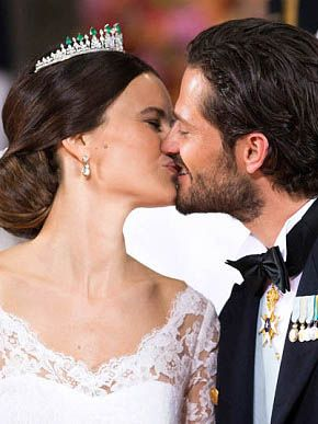 See Swedish Princess Sofia's Gorgeous Wedding Dress