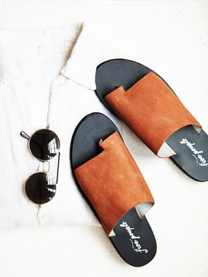 #TuesdayShoesday: Shop Our Favorite Summer Slides