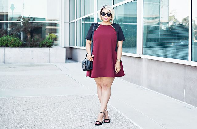 If you want to minimize your shoulders, go for a color-blockdress like this one, which highlights your favorite parts while concealing the others.