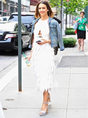 How to Wear a White Dress Like Jessica Alba, Alexa Chung, and More