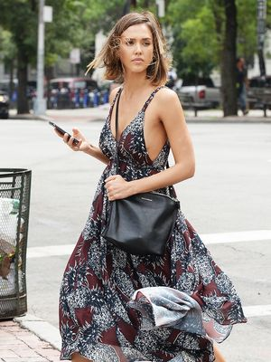 The Comfy Sandal A-Listers Wear to Run Errands