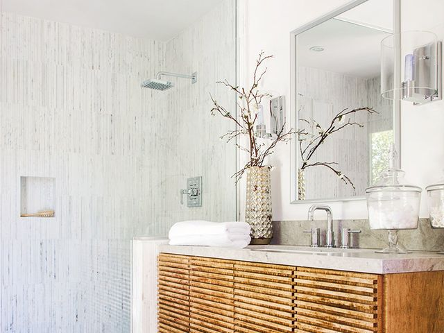 5 d cor mistakes to avoid in your bathroom mydomaine au for 5 bathroom mistakes