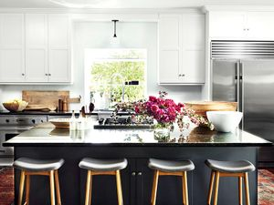 Before and After: A Simple yet Dramatic Kitchen Makeover
