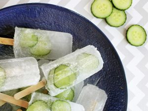 Summer Must: Cucumber Gin & Tonic Popsicles