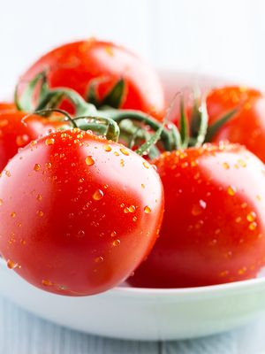 How Tomatoes Can Help You Fight Aging Skin