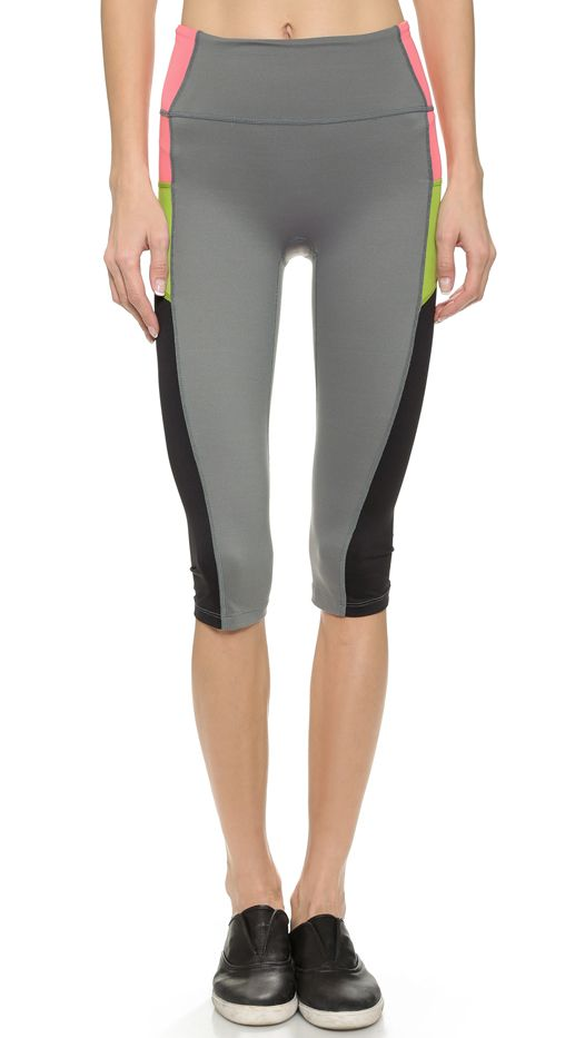 Spanx Knee Length Leggings