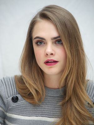 Cara Delevingne's Top Beauty Looks From the Paper Towns Tour