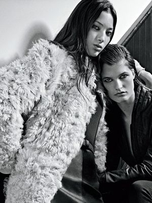 This Major Fashion Brand Just Incorporated Sexting Into Its Ads