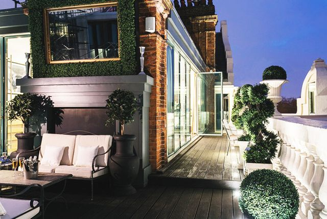 To see more of Tom Cruise's former London penthouse, visit Wetherell Properties.  Shop some of our favorite designer pieces at our shop.  What do you think of thispenthouse? Is it...