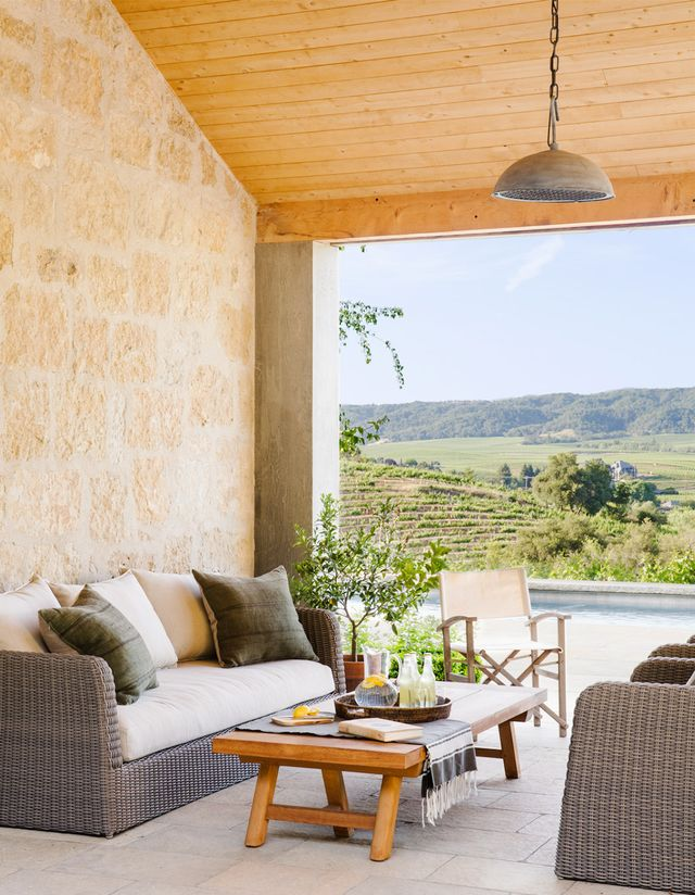 With the hills of Sonoma wine country as its backdrop, this neutral-hued lounge area is a vision.
