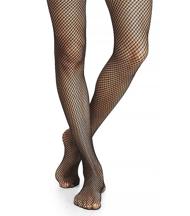 How fashion girls wear fishnet tights whowhatwear for Fish net tights