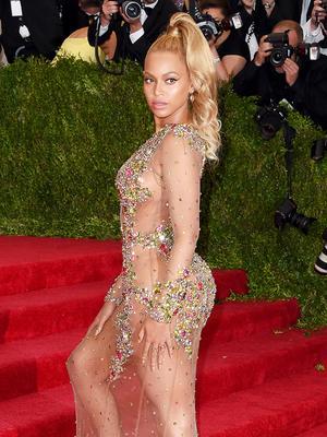 Beyoncé Covers September Vogue Again