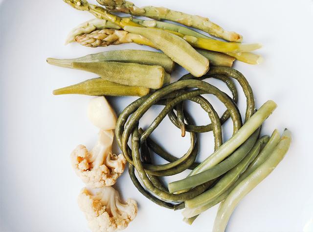 Ingredients for Salad Mix  NOTE: Serves 4  1 romaine heart, medium chopped  1/2 radicchio, medium chopped  2 stalks celery, medium diced  6 pieces red radish, cut into matchsticks  1/4...