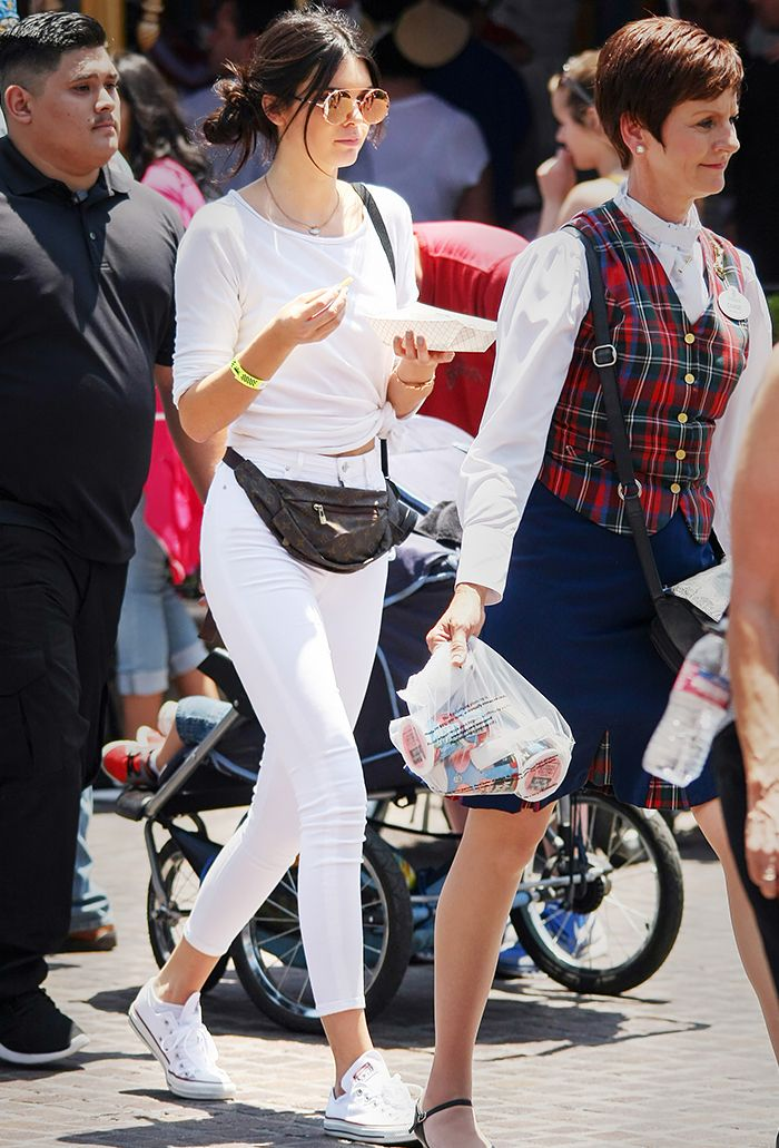 The Best Off-Duty Outfit Ideas From Celebs at Disneyland | Who What Wear UK