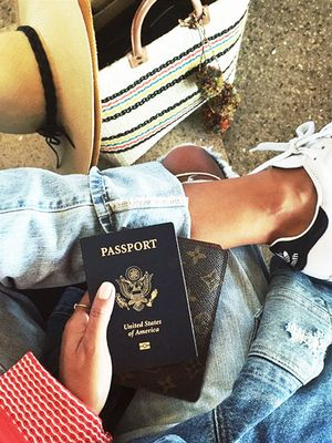 Experts Reveal the Most Comfortable Jeans to Wear to the Airport