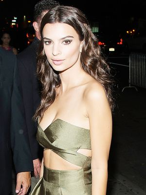 Emily Ratajkowski Shows Us the Chic Way to Wear Cutouts