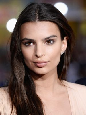Emily Ratajkowski Masters the Sexy-Chic Look