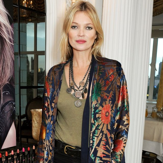 How to Rock a Skinny Scarf Like Kate Moss Does