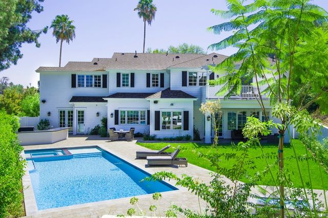The listing agent is Maggie Oreck ofRE/MAXEstates.  Related:   Alicia Keys & Swizz Beatz List Jersey Mansion for $14.9M Sia Snags LA Castle Packed With...