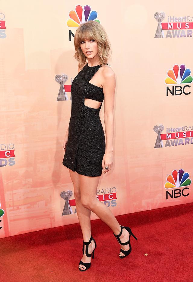 On Swift: Kaufmanfranco dress.