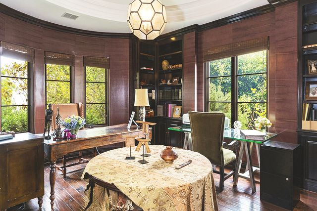 The 6,376-square-foot home also includes a library, sunroom, and home office, plus a beautiful formal dining area perfect for a wholesome/dysfunctional family dinner with Sandy, Kirsten, Ryan, and...