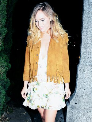Suki Waterhouse Puts a Surprising Twist on the '70s Trend