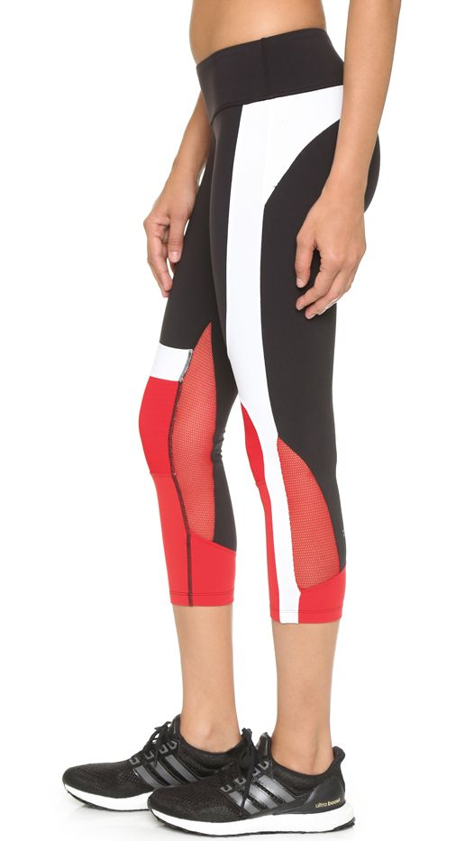 Splits59 Matrix Noir Performance Capri Leggings