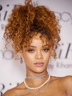 Rihanna Just Revealed Her '90s Beauty Icon