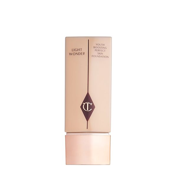 Charlotte Tilbury Light Wonder Foundation