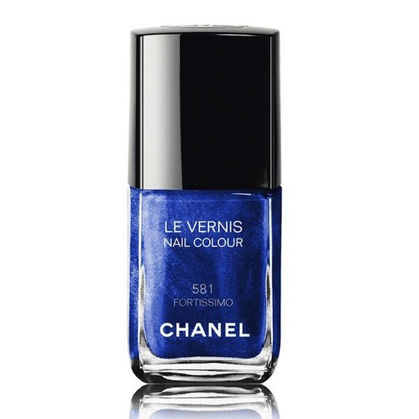 Chanel Blue Rhythm Le Vernis Nail Colour in Fortissimo