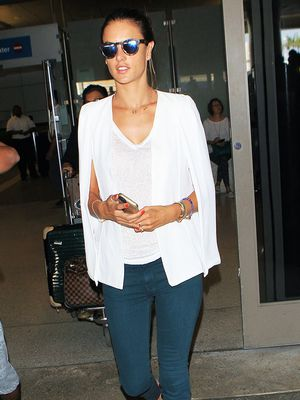 9 Celebrity Airport Outfits That Work Perfectly With Flats