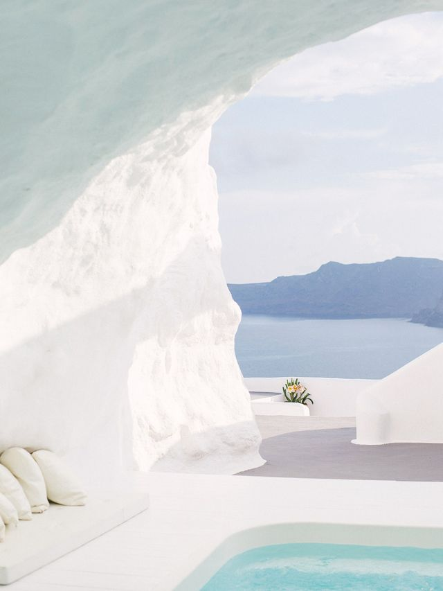 """How's this scene in Santorini for a dreamscape of relaxation? Brittni Mehlhoff's """"Vacation Inspiration"""" board is full of goodness like this.  Location: Santorini, Greece"""