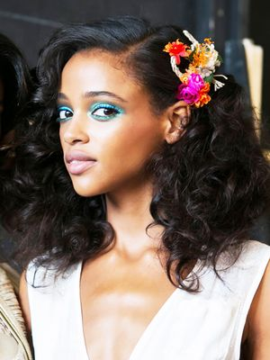 29 Mesmerizing Backstage Beauty Snaps From NYFW