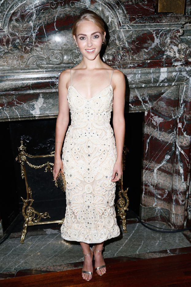WHO: AnnaSophia Robb  WHAT: Marchesa S/S 16 show  WEAR: Marchesa dress from the S/S 14 collection.