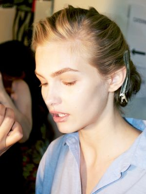 Get the Look: The Impossibly Pretty, Fresh Face at J. Mendel