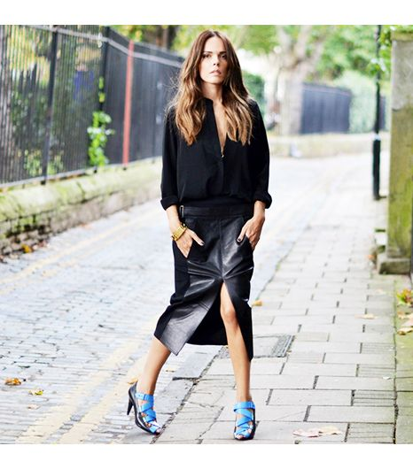 Styleheroine is wearing: Alexander Wang skirt, Balenciaga shoes.
