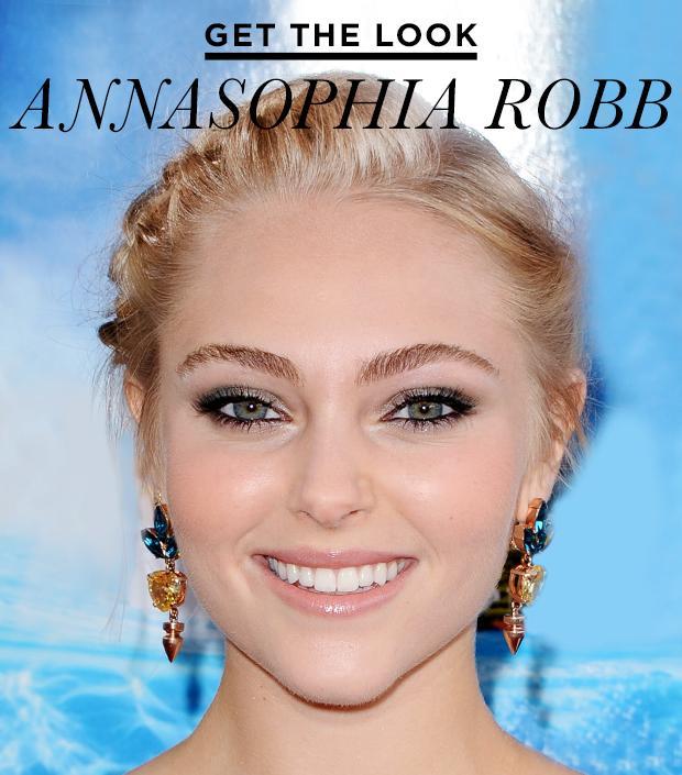 Get The Look: AnnaSophia Robb