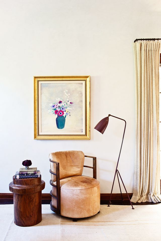 Mixing, in general, is something Merrill does gorgeously—especially so in this space. In the master bedroom, she offers up a wide range of pieces from different design eras and movements....