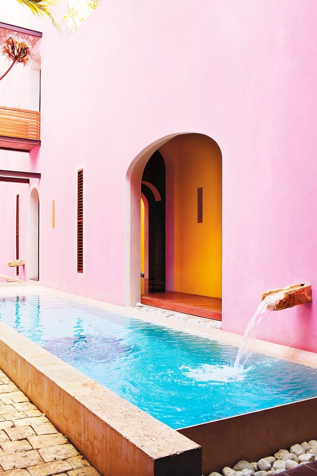 Rich pink walls make a gorgeous backdrop at Rosas & Xocolate.  Rosas & Xocolate | Calle Paseo de Montejo 480x41, Colonia Centro,Mérida