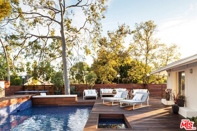 To see more of this home, visit Trulia.  What do you think of this luxury Laurel Canyon home? Let us know in the comments.