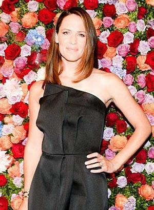 Party Pics: Max Mara Celebrates New Face, Jennifer Garner