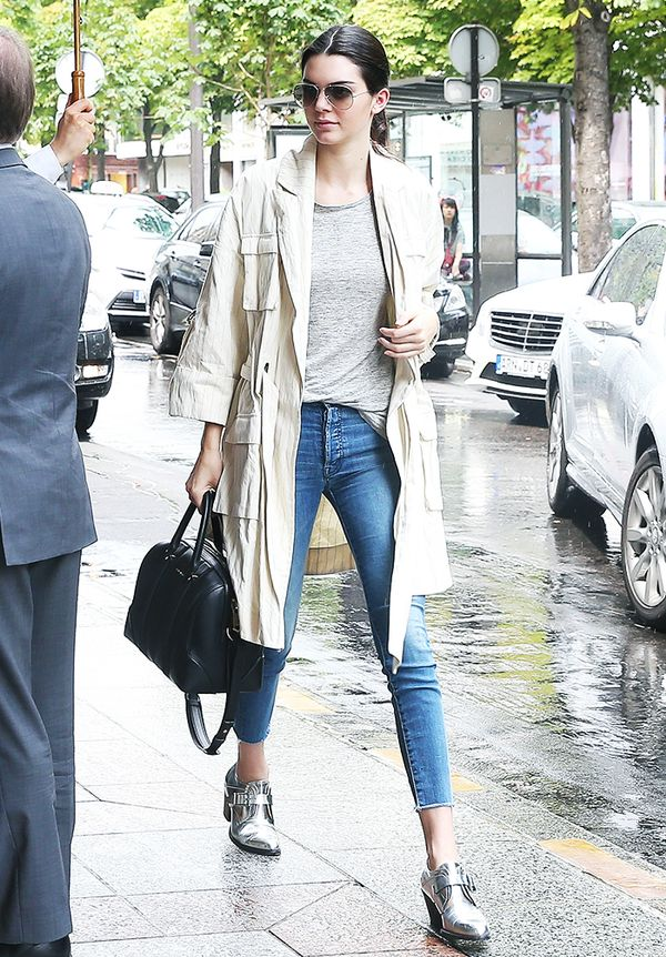 Trench coat + tee + high-rise jeans + statement-making ankle boots