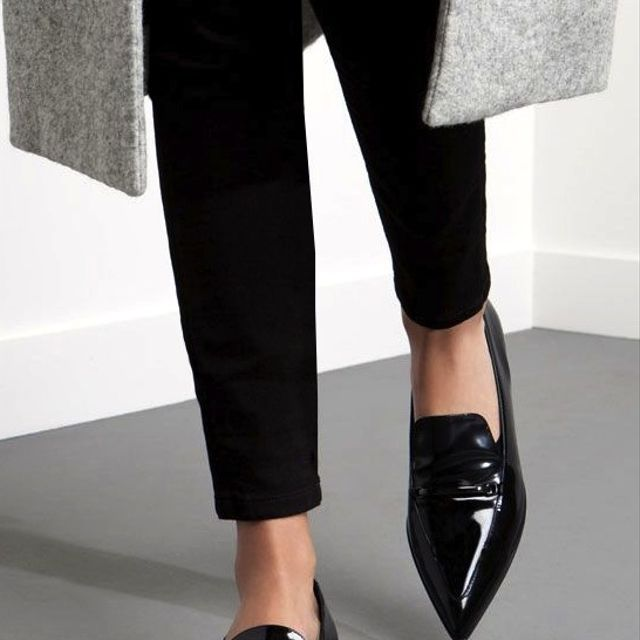 A Work-Perfect Way to Wear Your Pointed-Toe Loafers