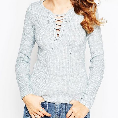 Top in Rib Knit With Lace Up In Twist Yarn