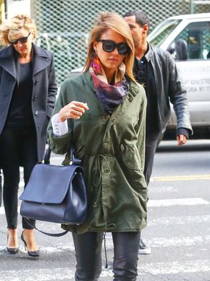Jessica Alba's Simple Trick for Livening Up a Fall Look