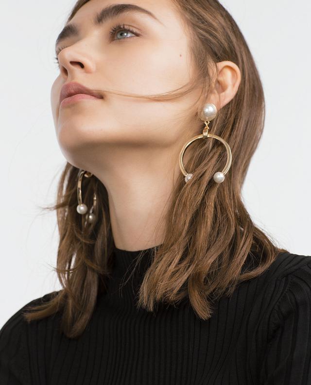 Zara Horseshoe Earrings